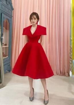 Đầm xòe đỏ dự tiệc thiết kế cổ vest quý phái #1373