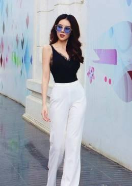 Bộ áo đen viền ren và Quần suông trắng tuyệt đẹp #1455