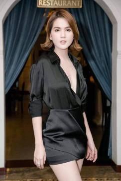 Bộ phi đen áo tay dài Chân váy ngắn của Ngọc Trinh #1458