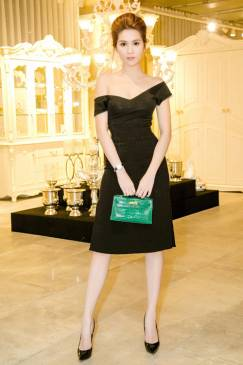 Đầm đen trễ vai body thiết kế đơn giản đẹp như Ngọc Trinh #1474