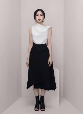 Bộ áo lụa trắng và Chân váy đen dài chữ A tuyệt đẹp #1635