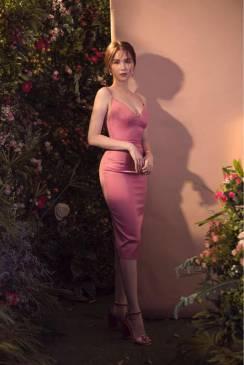 Đầm Ngọc Trinh ôm body thiết kế 2 dây cúp ngực đẹp #1675