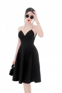 Đầm đen xòe hở lưng thiết kế 2 dây cúp ngực đẹp #1699