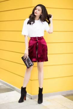 Bộ áo thun trắng tay lỡ và Chân váy nhung đỏ đẹp #1694