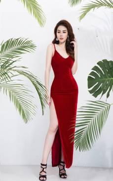 Đầm nhung đỏ dài thiết kế hở lưng xẻ tà tuyệt đẹp #1702
