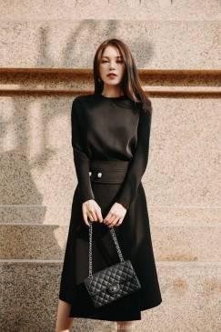 Bộ áo đen tay dài và Chân váy xòe đính ngọc trai #1902