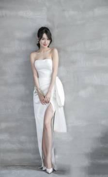 Đầm dài trắng Nhã Phương thiết kế nhẹ nhàng tinh tế #1966