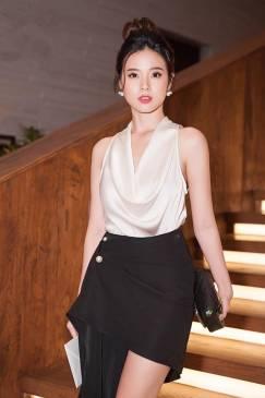Bộ áo lụa trắng cổ đỗ và Chân váy đen kiểu tuyệt đẹp #1971