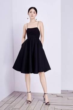Đầm xòe đen hở lưng thiết kế đơn giản, tinh tế #1972