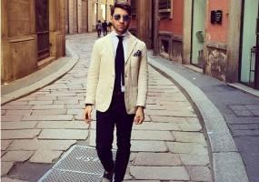 Cách phối màu ăn mặc quần áo với xu hướng Off-white