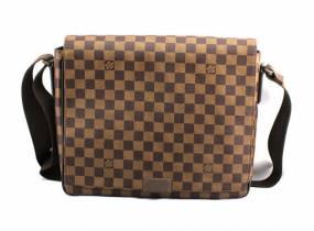 Túi Đựng Louis Vuitton Caro
