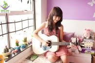 Con gái có nên học Guitar hay không ?