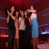 Khóa học hát karaoke văn phòng