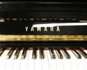 YAMAHA U30A