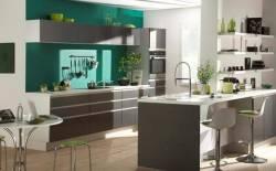 Tủ bếp gỗ và tủ bếp nhựa - Nên chọn bên nào?