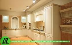 Tủ bếp nhựa, tủ bếp gỗ  sử dụng loại nào tốt hơn.