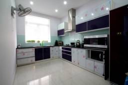 Tủ bếp Acrylic bền đẹp
