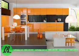 Mẫu tủ bếp nhựa picomat màu cam nổi bật