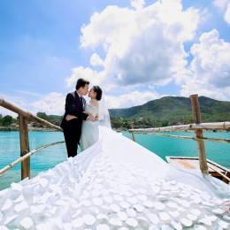 Album Hồ Đá - Ngọc Thụy & Ngọc Vân