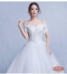 Váy cưới ren