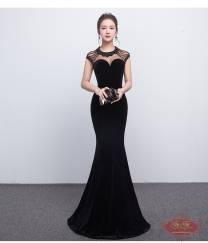 Váy dạ hội màu đen