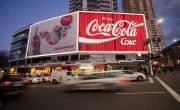 Ở nước ngoài, người ta lắp biển quảng cáo như thế nào?