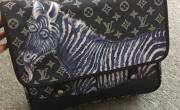 Túi xách Louis Vuitton siêu cấp độc đáo với họa tiết động vật độc đáo