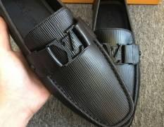 Tự tin và đẳng cấp hơn cùng với giày nam hàng hiệu siêu cấp thời trang