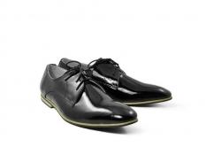 Quy trình sản xuất giày da Louis Vuitton trị giá nghìn đô