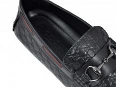 Quy trình sản xuất giày Gucci cao cấp