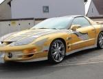 Xe cổ Pontiac Trans Am dát vàng đắt hơn siêu xe Bugatti Veyr