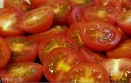 Cách cắt cà chua đẹp mắt và nhanh chóng
