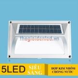 Đèn LED chân tường năng lượng mặt trời