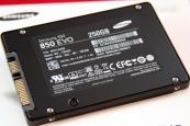 O-cung-Samsung-SSD-850-EVO-25-inch-250GB