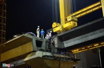 Cầu Trục Khổng Lồ lắp dầm đường tàu điện trên cao