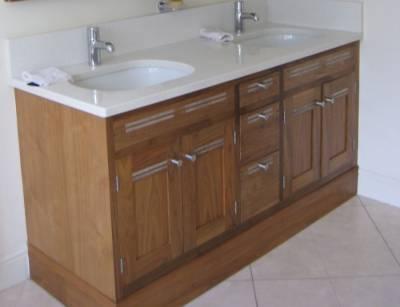 Tủ phòng tắm gỗ Walnut (Óc Chó) Nhập khẩu từ Mỹ - Hoangphucwood
