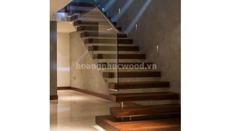 Mẫu cầu thang gỗ óc chó (Walnut) - Ms: CTG 102