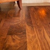 Sàn gỗ Óc Chó (Walnut wood floor) - Hoang Phuc wood