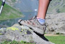 Cach-phan-biet-lua-chon-giay-leo-nui-trekking-hiking-giay-phuot-giay-du-lich-giay-the-thao