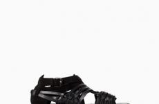 Những mẫu sandal đẹp cho nam giới Hè 2014