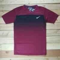 Nike cổ tròn màu đỏ