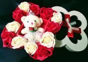 Hộp 12 bông hồng sáp + Gấu Bông