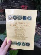 Sách tiền xu cổ qua các thời kì vua-chúa Việt Nam