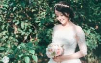 Miyazaki tinh khôi trong váy đính hoa Katherine