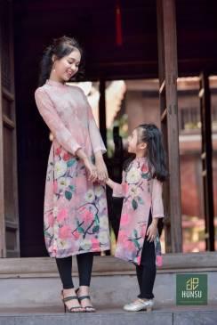 Áo dài tơ chân hoa hồng
