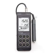 Máy đo EC/TDS/°C/NaCl Hanna HI 9835
