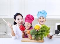 4 giai đoạn vàng cho bé tập ăn rau