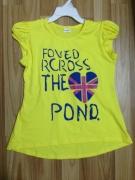 Áo phông màu vàng có hình trái tim