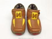 Giày da màu nâu dành cho bé trai