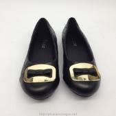 Giày bệt Dior màu đen có nơ dành cho nữ